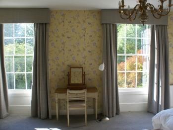 King room with en suite shower