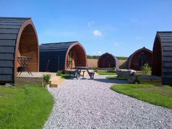The Little Hide - Grown Up Glamping - Camping Pods