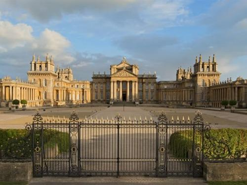 Blenhiem Palace  100 yards away