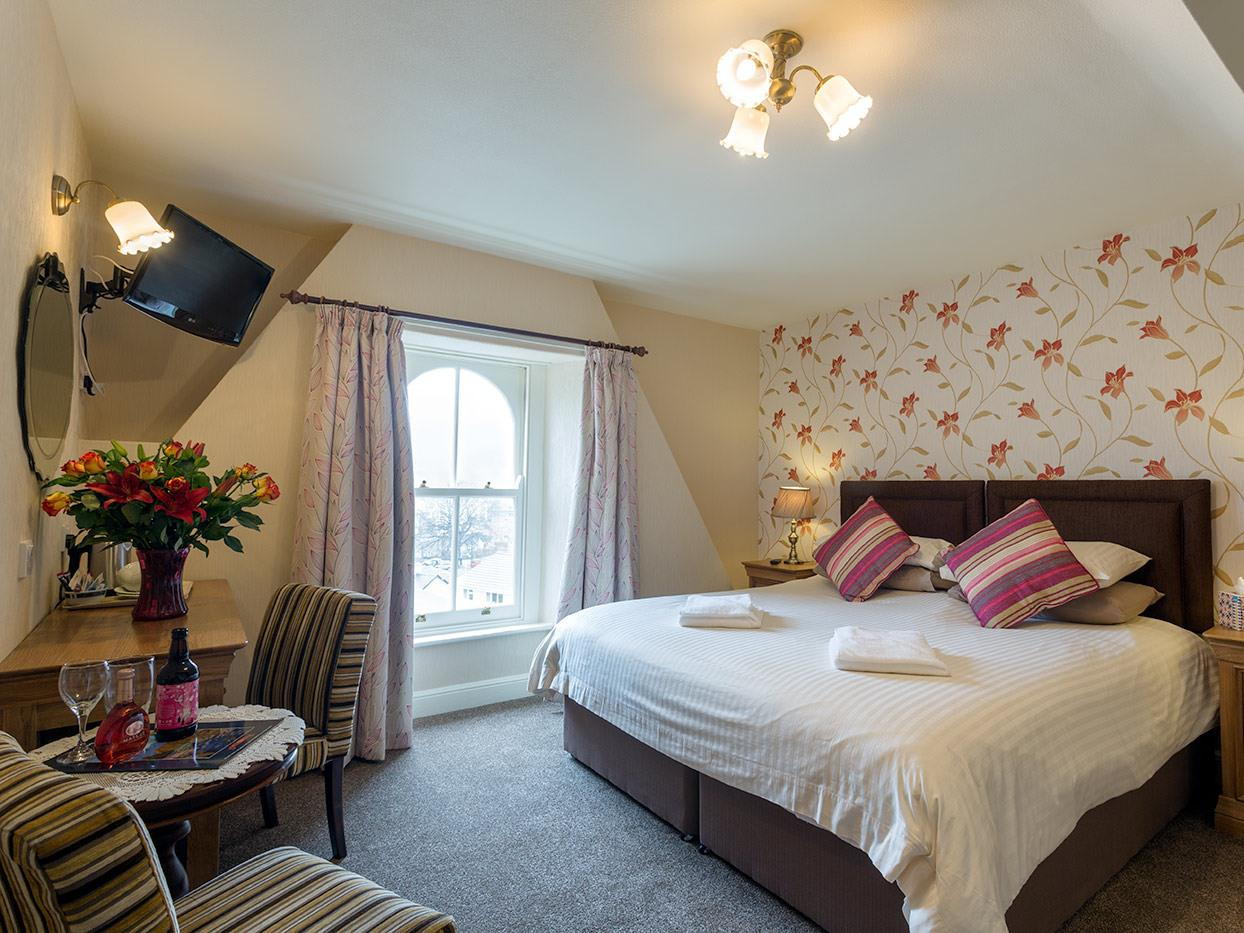 Classic Double or Twin Room En-suite with shower