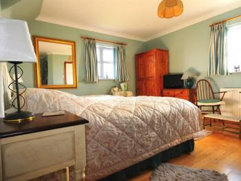 Sandpiper our twin en suite with sea and garden views