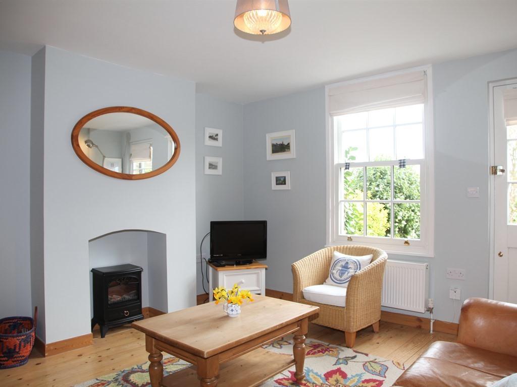 Cottage-Premium-Private Bathroom-Old Post Cottage - Base Rate