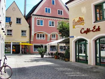 Hier geht es zum Anwesen Storchenfärbe, Ferienapartment Memmingen, Anfang Fußgängerzone