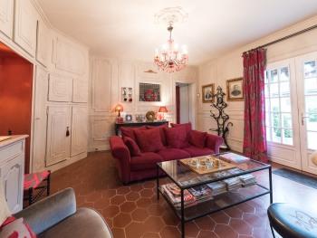 salon d'accueil pour nos hôtes au Domaine de la Frênaie .Valenciennes