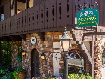 Storybook Riverside Inn front entrance.