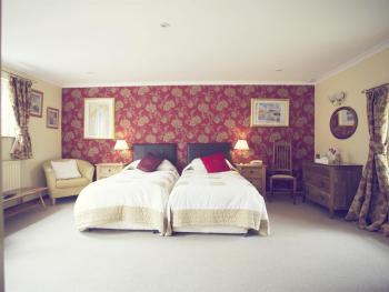 King Size Courtyard, En-suite, Disabled Facilities