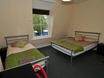 Triple room-Classic-Shared Bathroom-City View-Room 4 - Base Rate