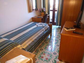 Singola ST-Singola-Bagno in camera con doccia