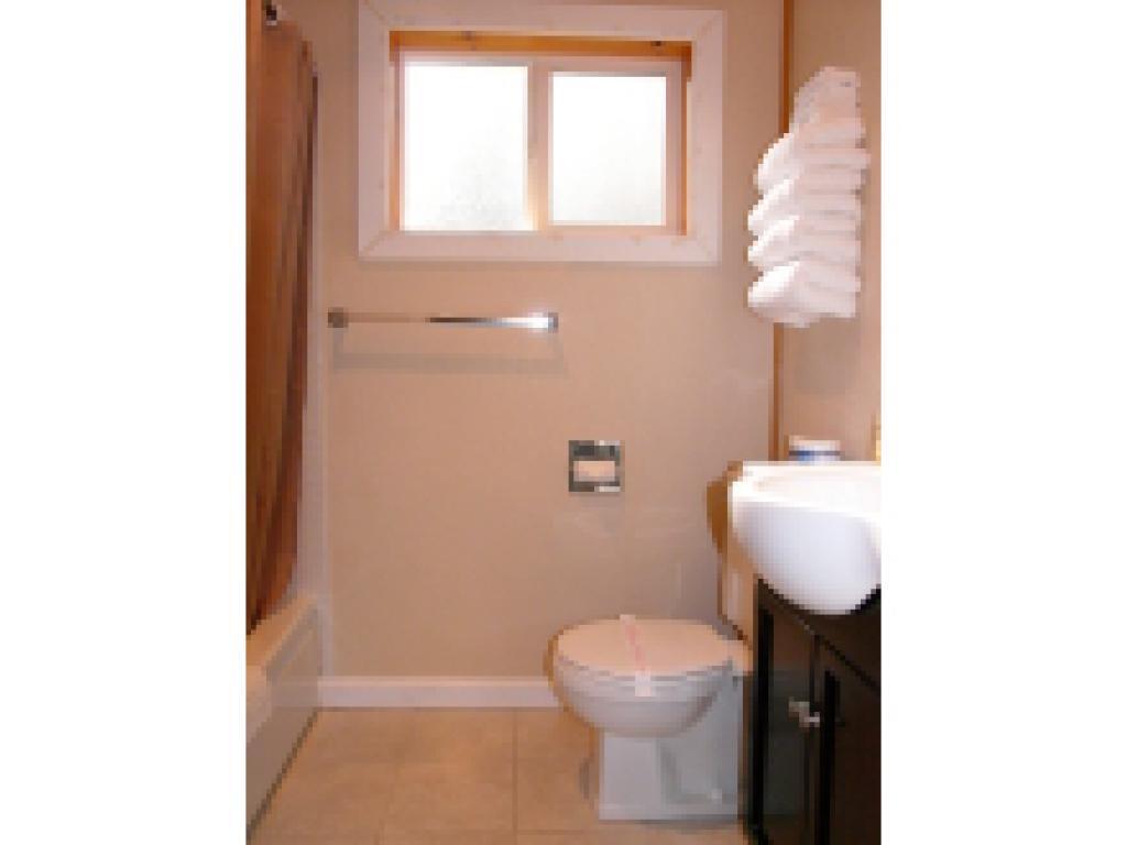 Quad room-Ensuite-Standard-Unit 8