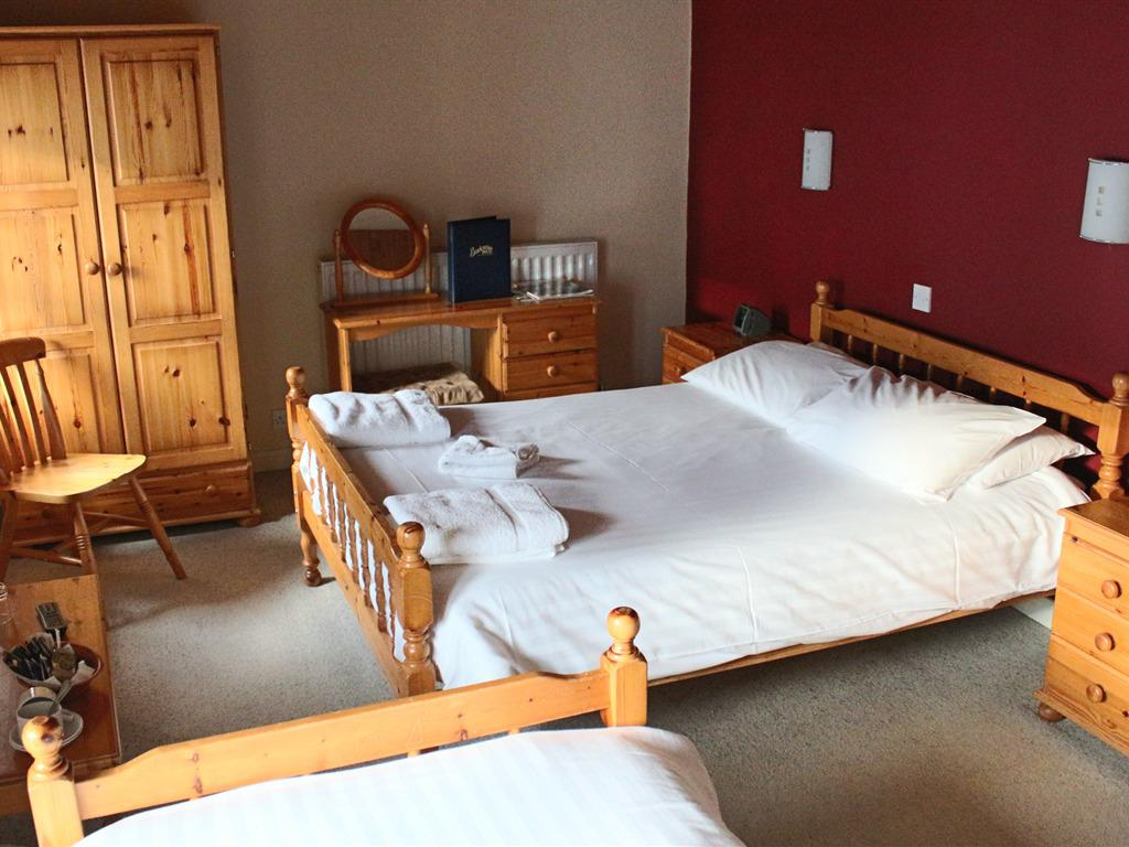 Family room-Superior-Ensuite-Dog Friendly