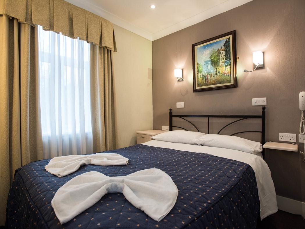 Double room-Standard-Ensuite with Shower - Double room-Standard-Ensuite with Shower