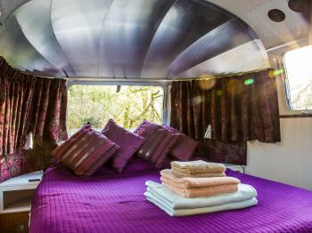 American Airstream Caravan bedroom