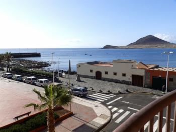 Nice apartment with seaview front plaza roja