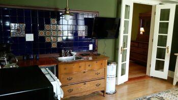 Thomas Hardy Suite Kitchen