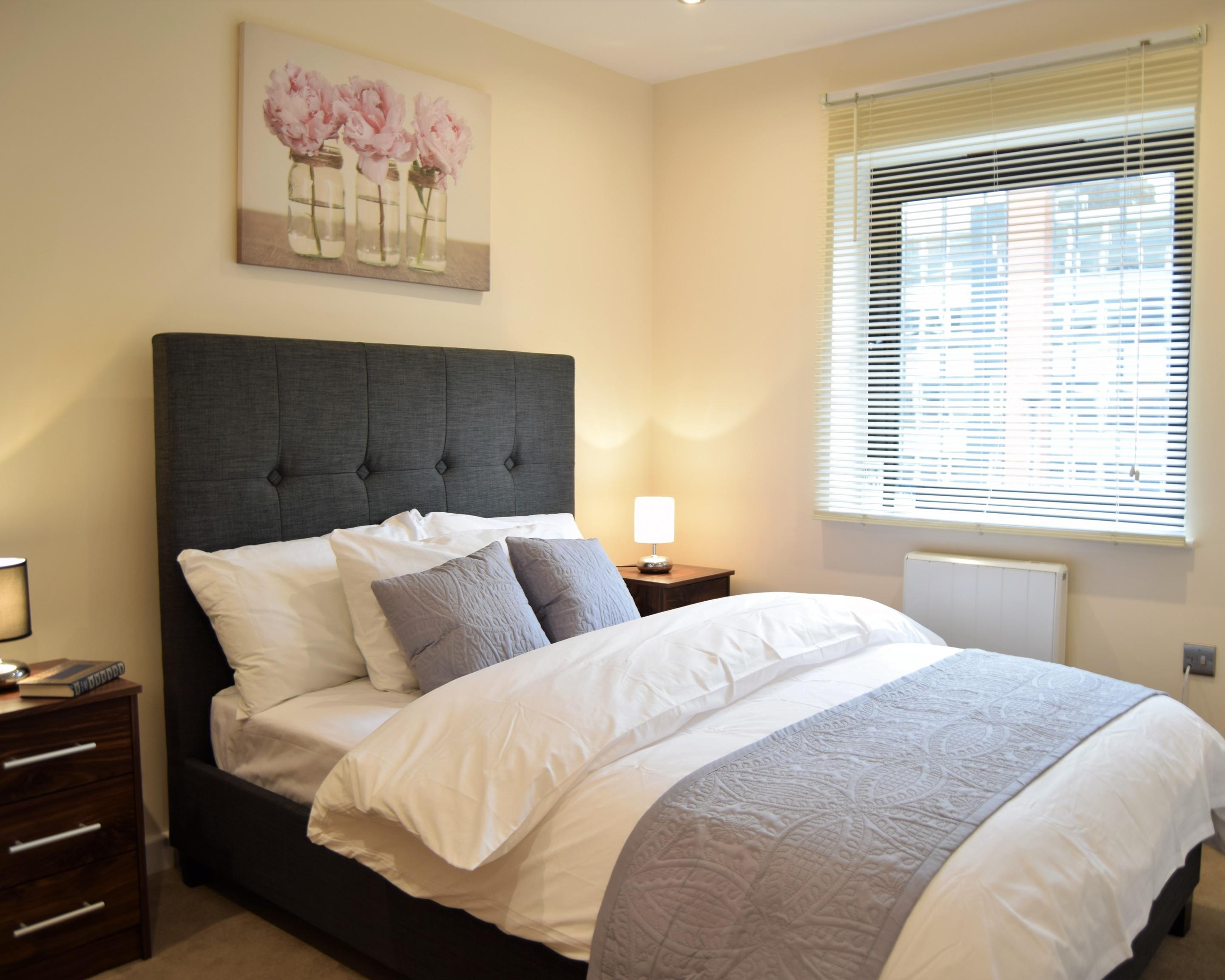 Apartment-Apartment-Private Bathroom-Balcony-3 bed apartment