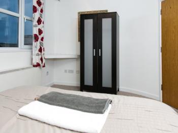 Apartment-Ensuite with Shower-QUAYSIDE H - Apartment-Ensuite with Shower-QUAYSIDE H