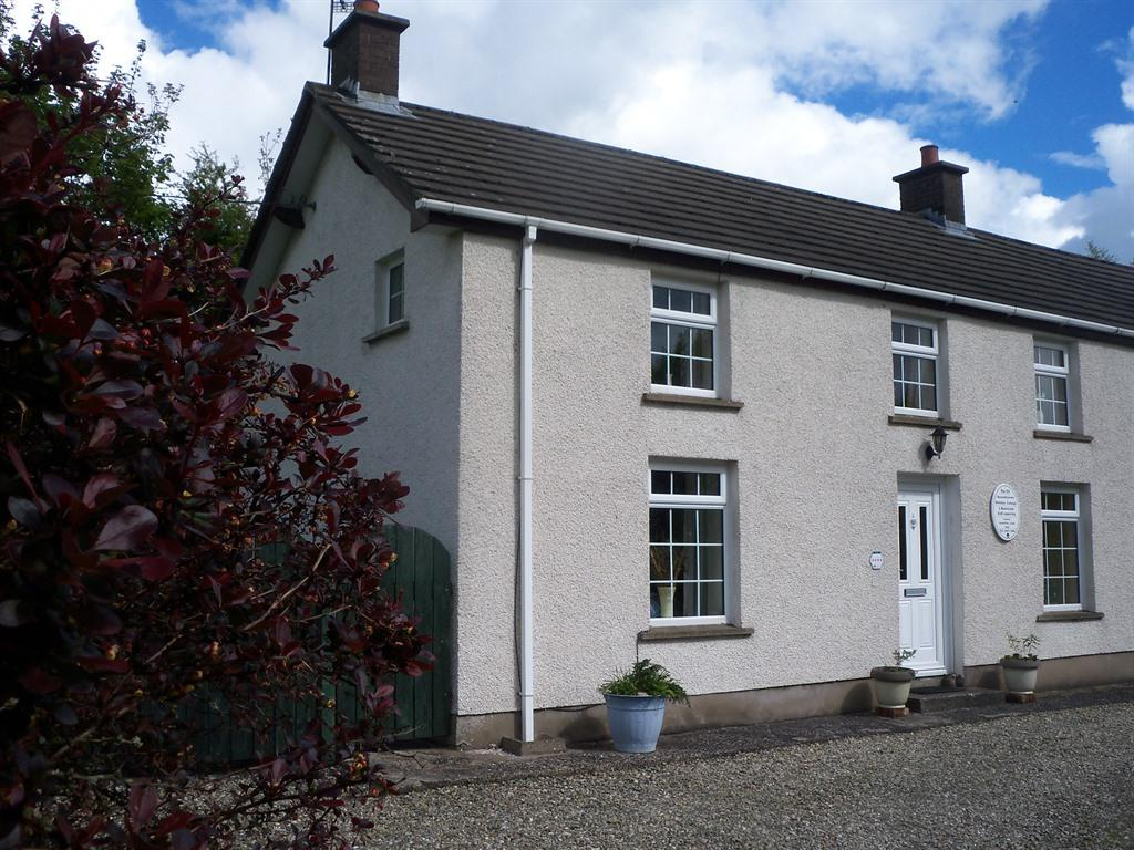 Cottage-Family-Private Bathroom-Garden View-self-catering