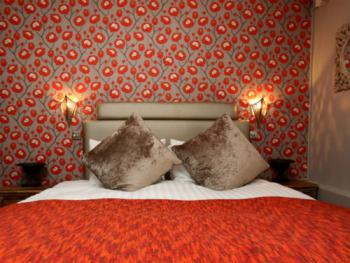 """""""Poppy"""" Superior double guest room"""