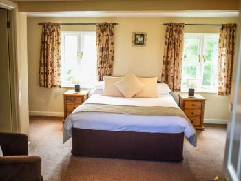 Family room-Ensuite-2 Adults & 1 Child - Family room-Ensuite-2 Adults & 1 Child