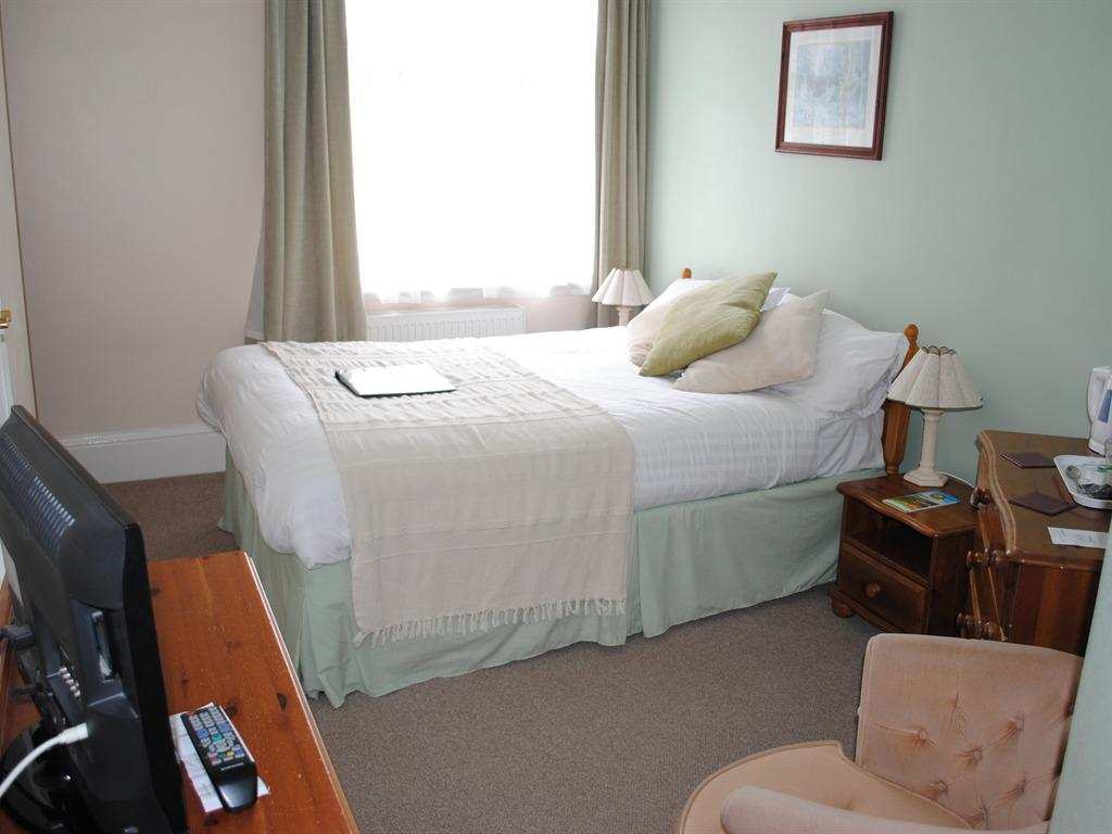 Double room-Classic-Ensuite with Shower-Garden View-Room 9