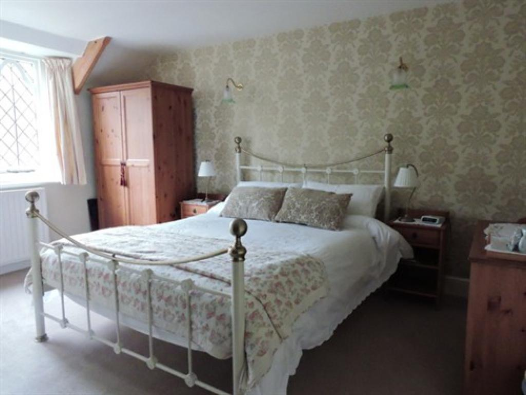 ... Chambre / Lits   King Size Ensuite With Shower ...