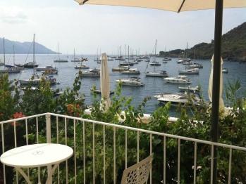 Il porto turistico dal nostro giardino