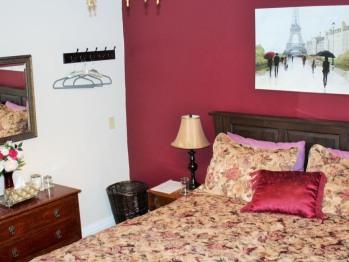 Bed-Suite-Ensuite with Shower-City View-Harris Suite - Tarif de base
