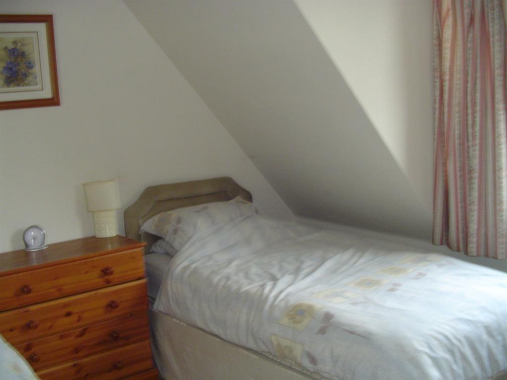 Twin room-Shared Bathroom-First Floor - Base Rate