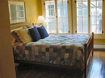 Quad room-Ensuite-Suite-Park View-Bristol - Quad room-Ensuite-Suite-Park View-Bristol