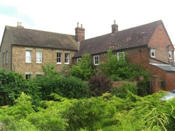 Drayton Lodge -
