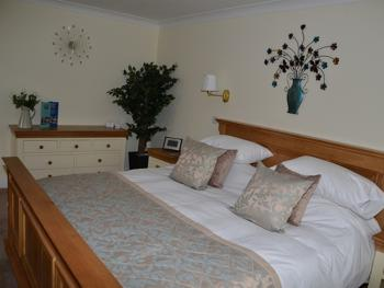 Super King Double - Beautifully Decorated Room