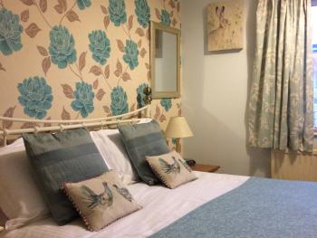 Double Room En Suite Bath