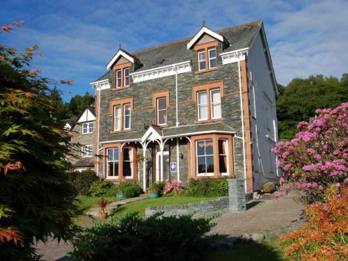 Maple Bank Bed & Breakfast in the sunshine