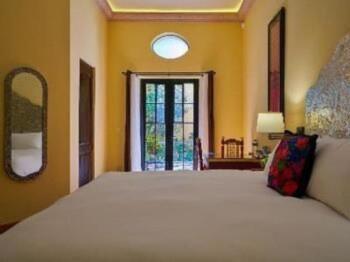 Rebozo Room