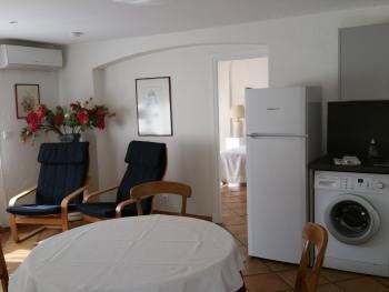 Appartement-Appartement-Salle de bain et douche-Vue sur la cour - Tarif de base