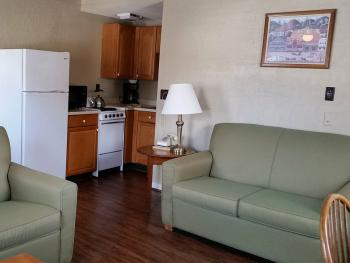 Apartment-Ensuite-Street View-C--Inn 1BR