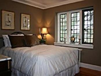 Bed-Shared Bathroom-Standard-Garden View-Rennaissance Room