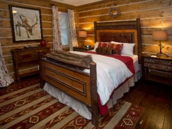 Holly Room-Queen Bed