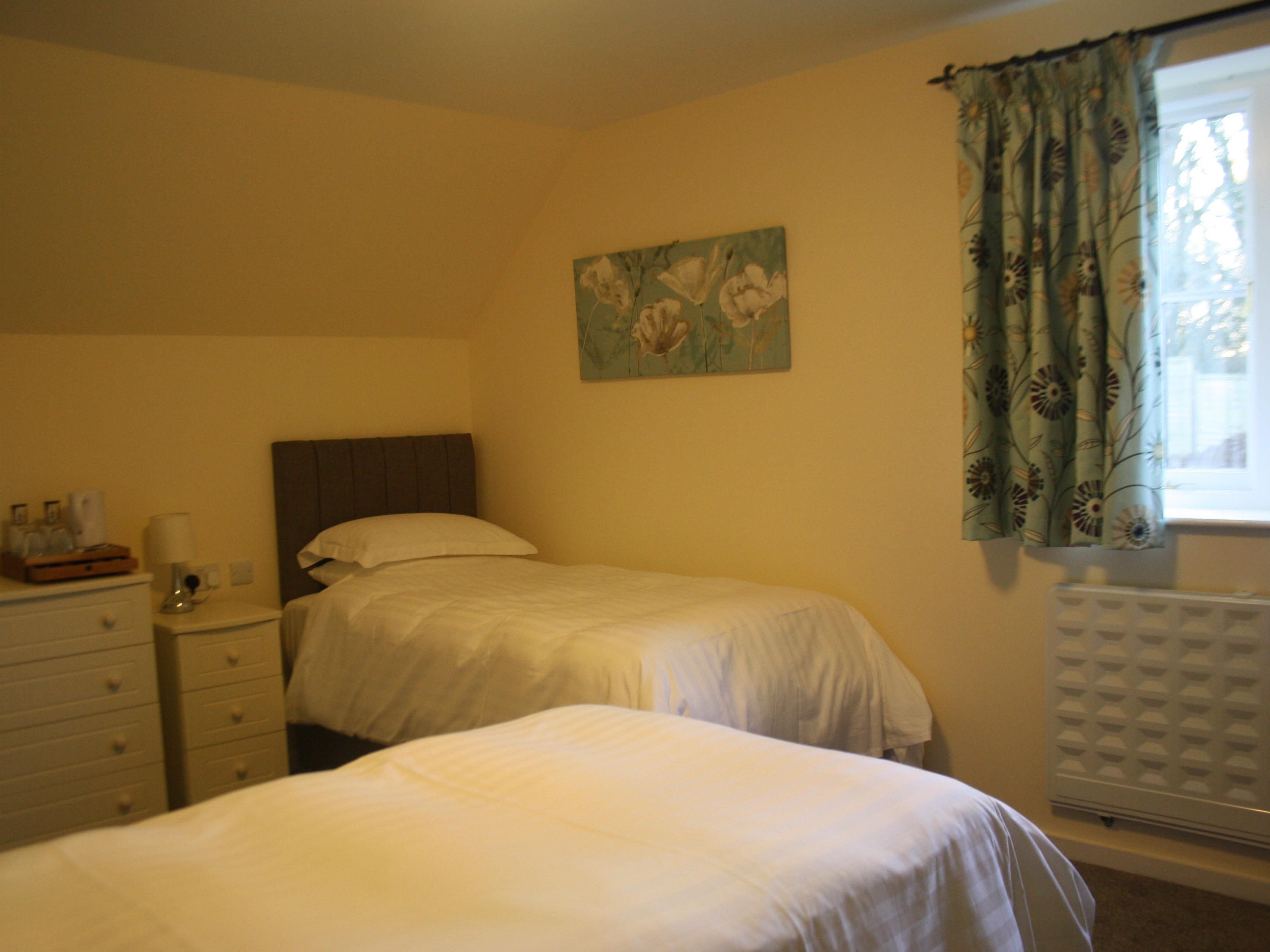 Twin room-Ensuite with Shower-Disabled Access