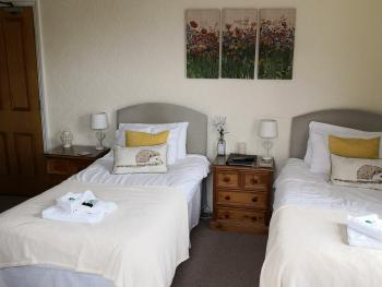 Quad room-Standard-Ensuite with Shower-Park View-Twin/Family Room