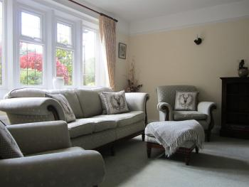 Coombe House - Guests Lounge