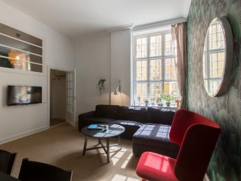 Apartment-Classic-Private Bathroom-Courtyard