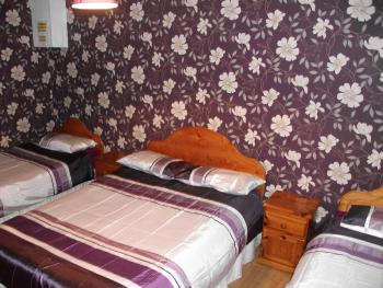 bedroom in house 1, bungalow house, sleeps 7 people, 2 bedrooms, 2 bathrooms