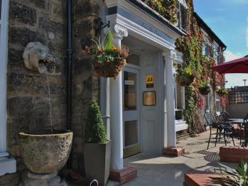 Stone Villa - Historic charm, modern elegance