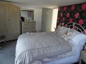 Double room-Ensuite with Shower-Juliet balcony