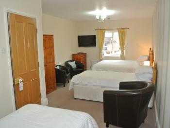 Family room-Standard-Ensuite--3-Sleeps 4 - Base Rate