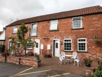 The Lincolnshire Poacher Inn - Poachers Mews 1 & 2