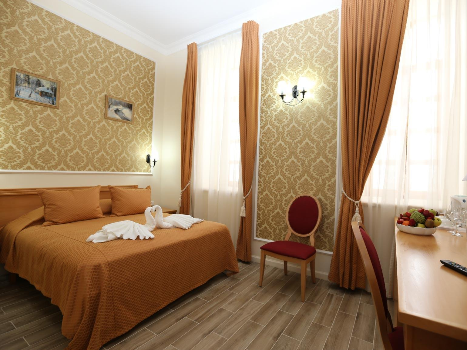 Double room-Ensuite-Double Deluxe - Base Rate