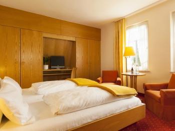 Doppelzimmer-Ensuite Dusche-Gartenblick-20 m2