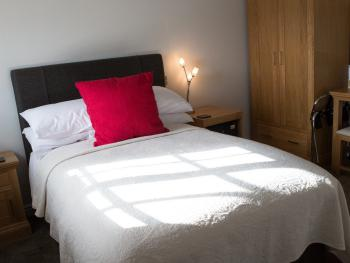 Single room-Deluxe-Ensuite-With Double Bed
